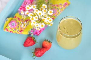 health green smoothie with fresh strawberries